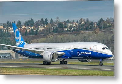 Metal Print featuring the photograph Boeing 787-9 Takeoff by Jeff Cook