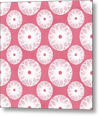 Boho Floral Pattern In Pink And White Metal Print by Linda Woods