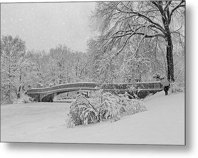 Bow Bridge In Central Park During Snowstorm Bw Metal Print by Susan Candelario