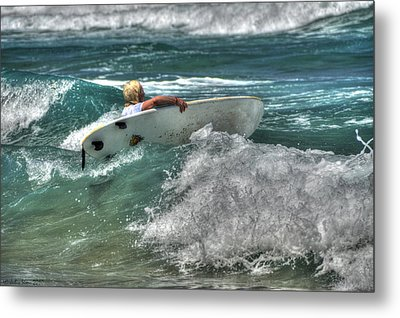 Metal Print featuring the photograph Breaking Waves by Julis Simo