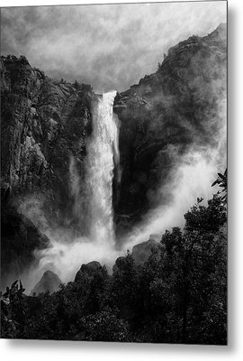 Bridalveil Falls Metal Print by Cat Connor