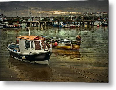 Metal Print featuring the photograph Bridlington Reflections by Brian Tarr