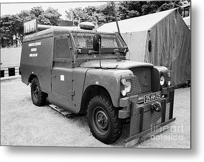 British Army Armoured Land Rover At Grey Point Fort Helens Bay County Down Northern Ireland Metal Print by Joe Fox