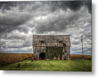Broad Side Metal Print by Ray Congrove