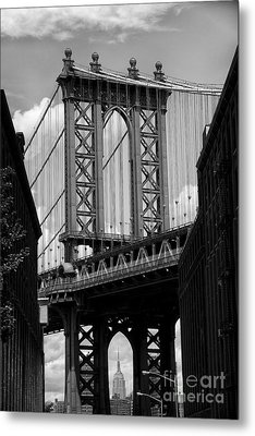 Manhattan Bridge Nyc Metal Print by Peter Dang