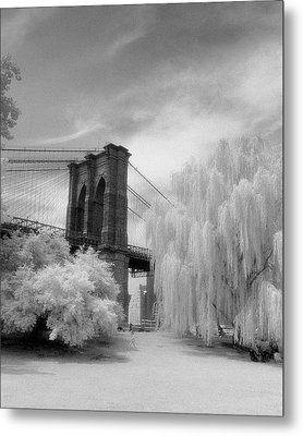 Brooklyn Bridge Willows Metal Print by Dave Beckerman