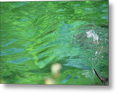 Bubble In The Pool Metal Print