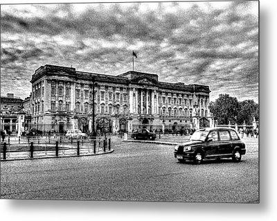 Buckingham Palace Art Metal Print by David Pyatt