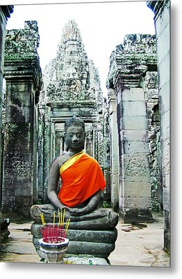 Buddha Image In Bayon In Angkor Thom In Angkor Wat Archeological Park Near Siem Reap-cambodia Metal Print by Ruth Hager