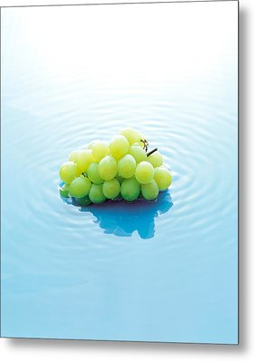 Bunch Of Grapes Floating On Water Metal Print by Panoramic Images