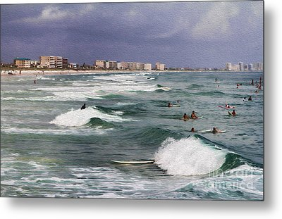 Busy Day In The Surf Metal Print