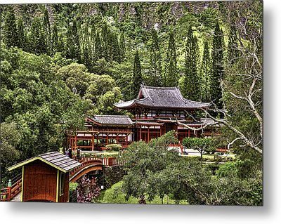 Byodo-in Metal Print by Joanna Madloch