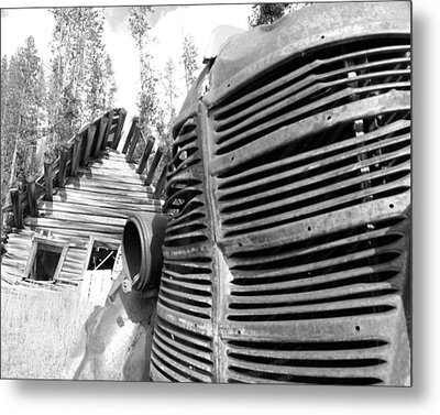Cabin Grill Metal Print by Tarey Potter