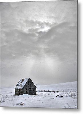 Cabin In Winter Metal Print by Leland D Howard