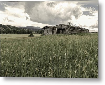 Cabins In Sync Metal Print