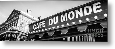 Cafe Du Monde Panoramic Picture Metal Print by Paul Velgos
