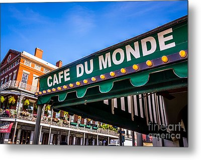 Cafe Du Monde Picture In New Orleans Louisiana Metal Print by Paul Velgos