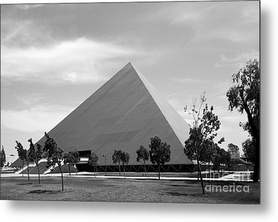Cal State University Long Beach Walter Pyramid Metal Print by University Icons