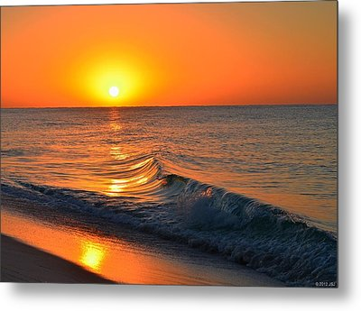 Calm And Clear Sunrise On Navarre Beach With Small Perfect Wave Metal Print