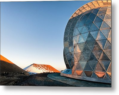 Metal Print featuring the photograph Caltech Submillimeter Observatory by Jim Thompson