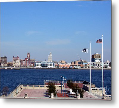 Camden Waterfront Metal Print by Olivier Le Queinec