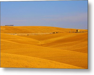 Tarquinia Landscape Campaign With Aqueduct And House Metal Print