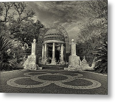 Cancer Survivors Plaza Black And White Metal Print by Joshua House