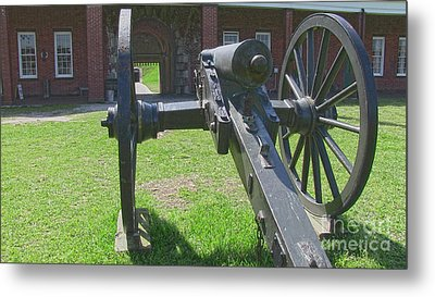 Cannon At Fort Pulaski Main Entrance Metal Print by D Wallace