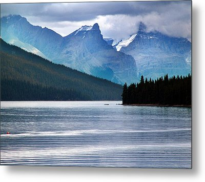 Canoes On Lake Maligne Metal Print