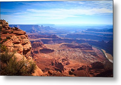 Metal Print featuring the photograph Canyonlands - A Landscape To Get Lost In by Peta Thames