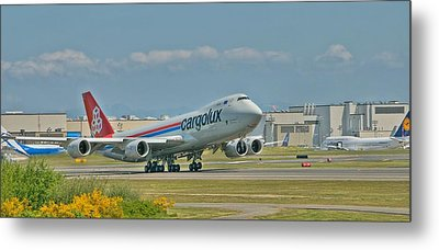 Metal Print featuring the photograph Cargolux 747-8f by Jeff Cook