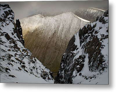 Carn Mor Dearg Metal Print by Roger Clifford
