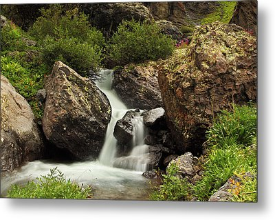 Metal Print featuring the photograph Cascade In Lower Ice Lake Basin by Alan Vance Ley