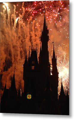 Metal Print featuring the photograph Castle Fire Show by David Nicholls