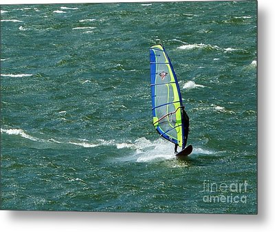 Catching Wind And Surf Metal Print by Susan Garren