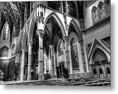 Cathedral Arches Metal Print by Linda Edgecomb