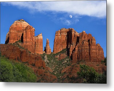 Cathedral Rock Moon Rise Color Metal Print