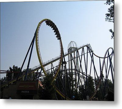 Cedar Point - Mantis - 12123 Metal Print by DC Photographer