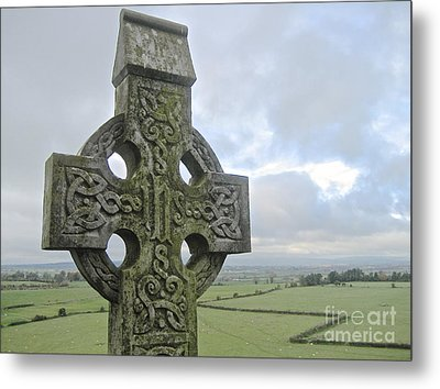 Celtic Cross Metal Print by Suzanne Oesterling