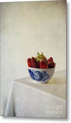 Fresh Strawberries In The White Blue Bowl  On The Table Metal Print