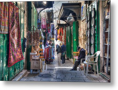 Changing Colors Of The Market Metal Print by Uri Baruch