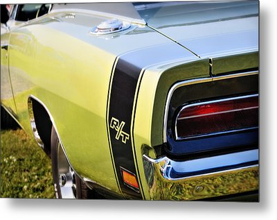 Charger R-t Metal Print by Thomas Schoeller
