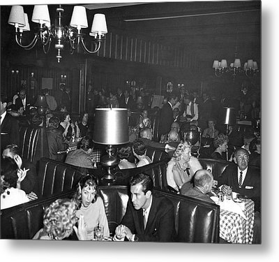 Chasen's Hollywood Restaurant Metal Print by Underwood Archives