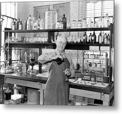 Chemist Working In A  Lab Metal Print by Underwood Archives