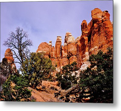 Chesler Park Pinnacles Metal Print by Ed  Riche