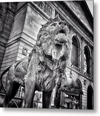 Lion Statue At Art Institute Of Chicago Metal Print