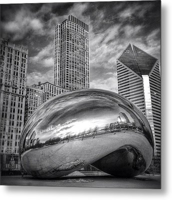 Chicago Bean Cloud Gate Hdr Picture Metal Print by Paul Velgos