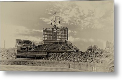 Chicago Cubs Scoreboard In Heirloom Finish Metal Print