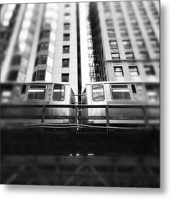 Chicago L Train In Black And White Metal Print by Paul Velgos