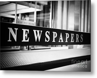 Chicago Newspapers Stand Sign In Black And White Metal Print by Paul Velgos